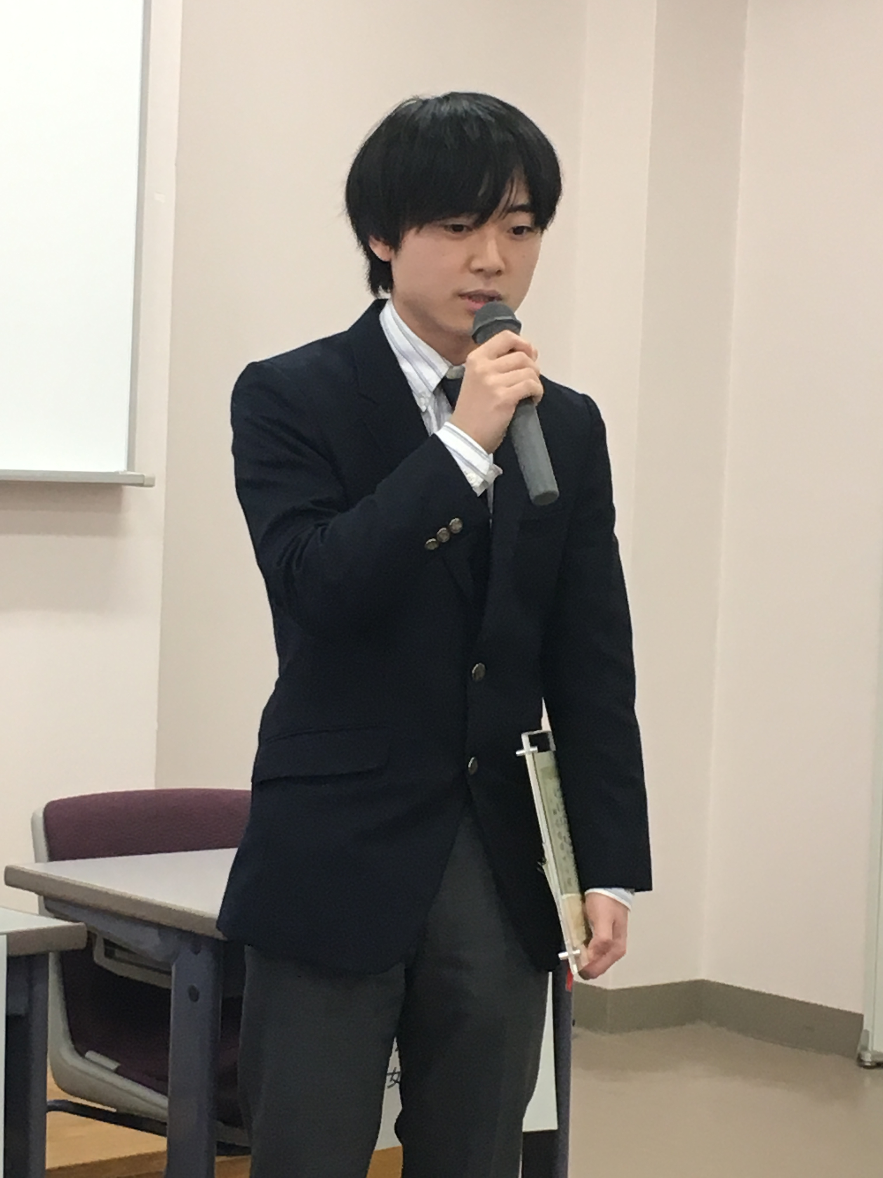 喜びの言葉を語る近藤佑樹氏